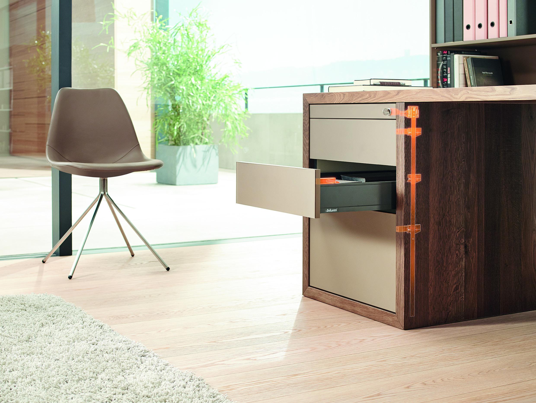 Büromöbel | UMAXO
